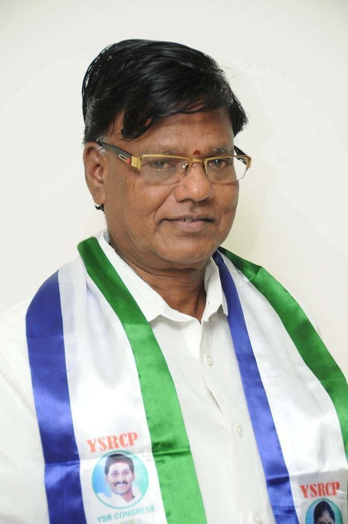 SRI TIPPALA NAGIREDDY